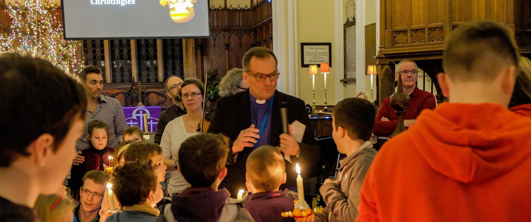 Christingle Service shines light on Advent