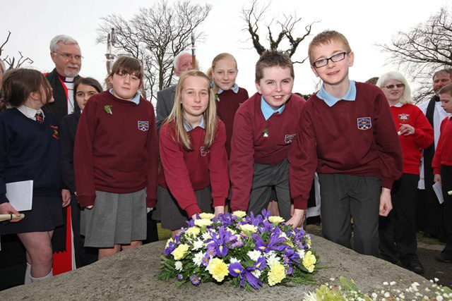 Brooklands school children at wreath laying